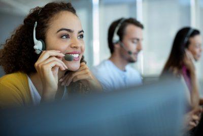 10 maneras de mejorar el servicio al cliente con telefonía VoIP