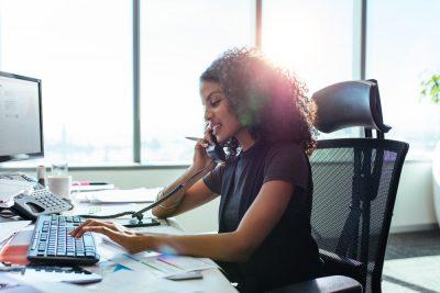 Consejos para elegir el mejor sistema telefónico para pequeñas empresas
