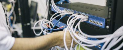 ¿Cuáles son los requisitos de red de VoIP?